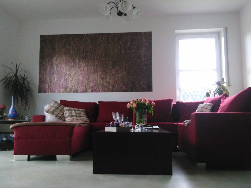 Valpaint Meteore8 im Crackle-Style als Wandbild und Savamea Ceramico #8 als fugenfreier mineralischer Bodenbelag