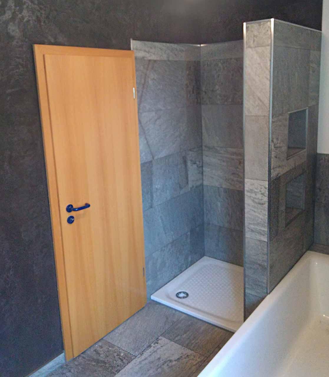 Kalkputz im Badezimmer Sanierung Oldenburg - Malermeister Steenweg